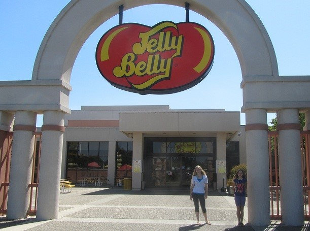 I woke up with my lovely ladies at the Jelly Belly's factory - We are going on a tour